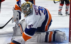usa-michal-neuvirth-islanders-flyers-nhl