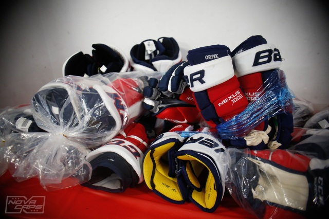 gloves-washington-capitals-equipment-sale.jpg