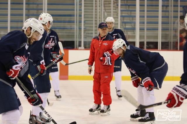 team-coach-caps-capitals-practice-kettler-84