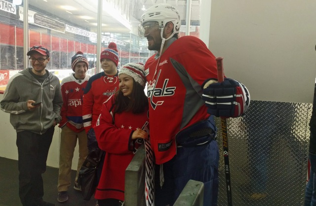 alex-ovechkin-meets-a-fan-at-kettler