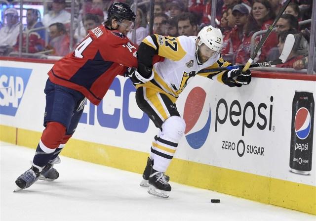 Penguins-Capitals-Hockey-12