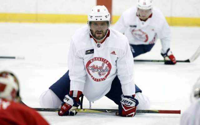 Capitals_Ovechkin_Hockey_15571-727x455