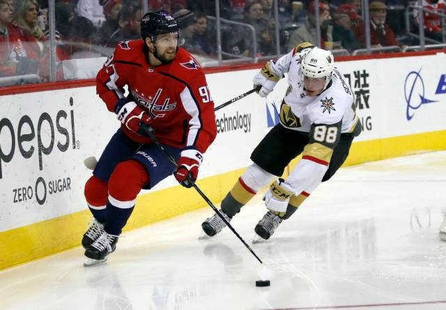 10076959_web1_knights-capitals-hockey-9