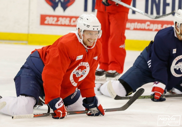 Evgeny Kuznetsov continued his recovery from his upper-body injury during  Saturday s morning skate. Just a day after practicing in Friday s optional e98c9d648