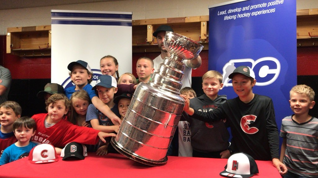 f714facbd Brett stated early on that he wanted to share the Stanley Cup with the  future of the game of hockey.